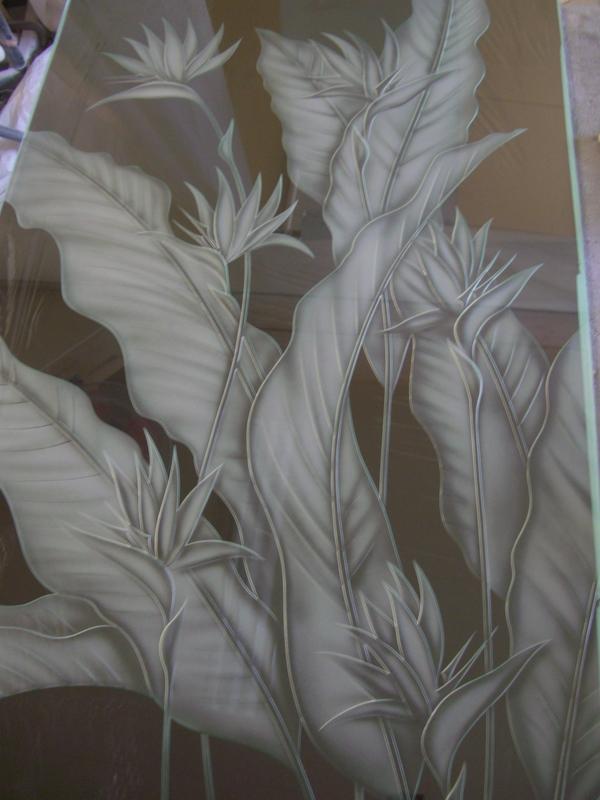 エッチングガラスの極楽鳥花(住宅アートガラス)