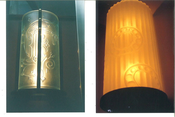 ラリック彫りの照明エッチングガラス