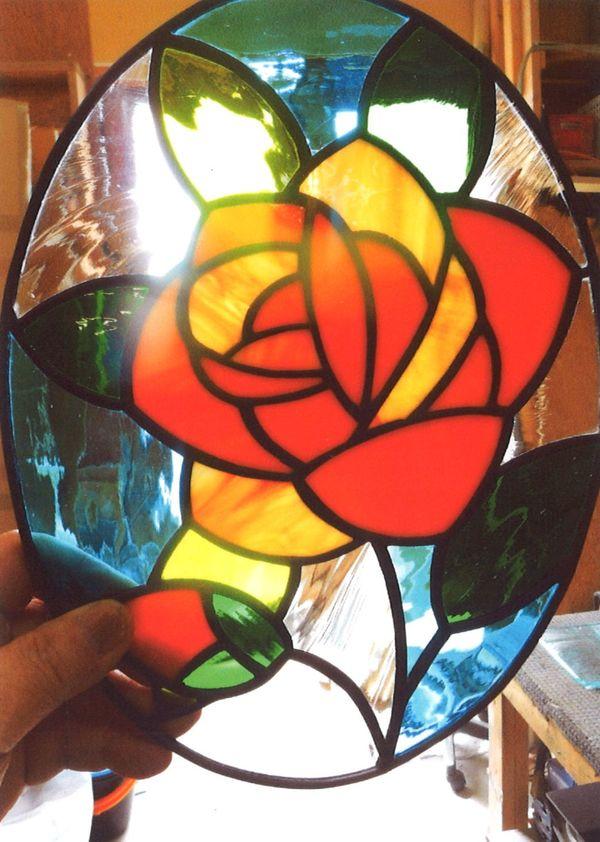 オパールセントのステンドグラス(建築・フューネラルアートガラス)