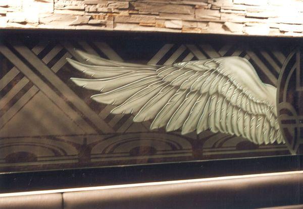 翼のエッチングガラス(建築・店舗エッチングアートガラス)