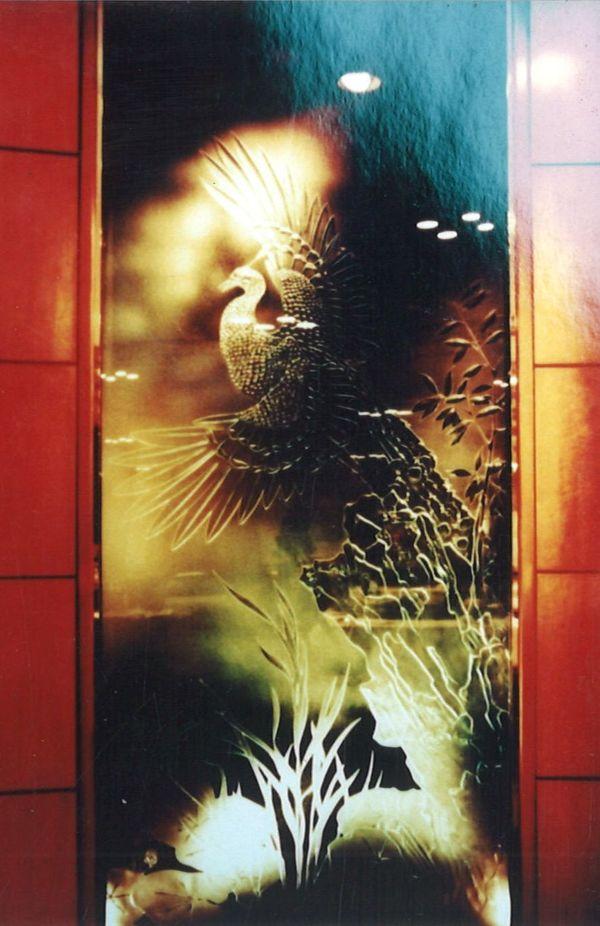 孔雀エッチングガラス (建築・店舗アートガラス)