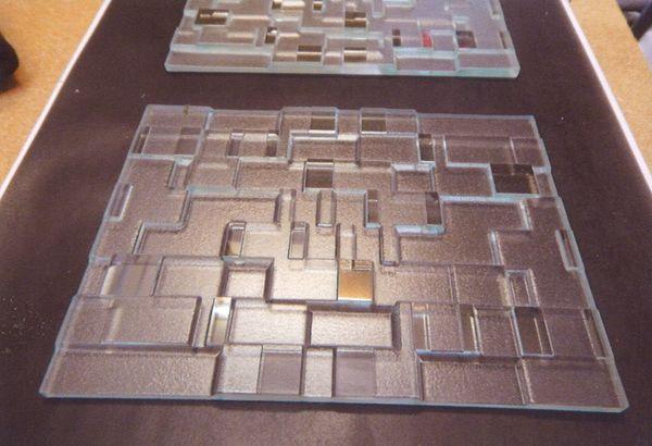 深彫り幾何学サンドブラスト(建築エッチングアートガラス)
