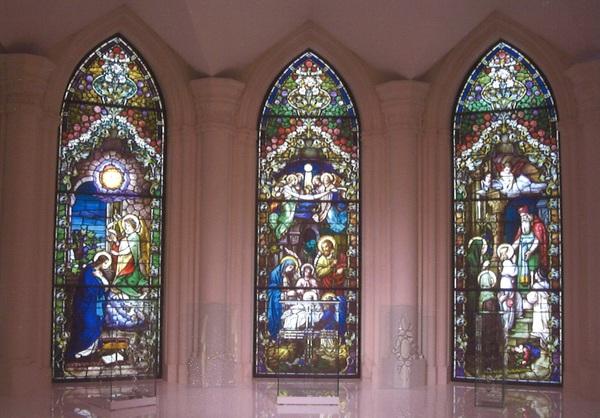 ガラスの聖書台 (結婚式場アートガラス)