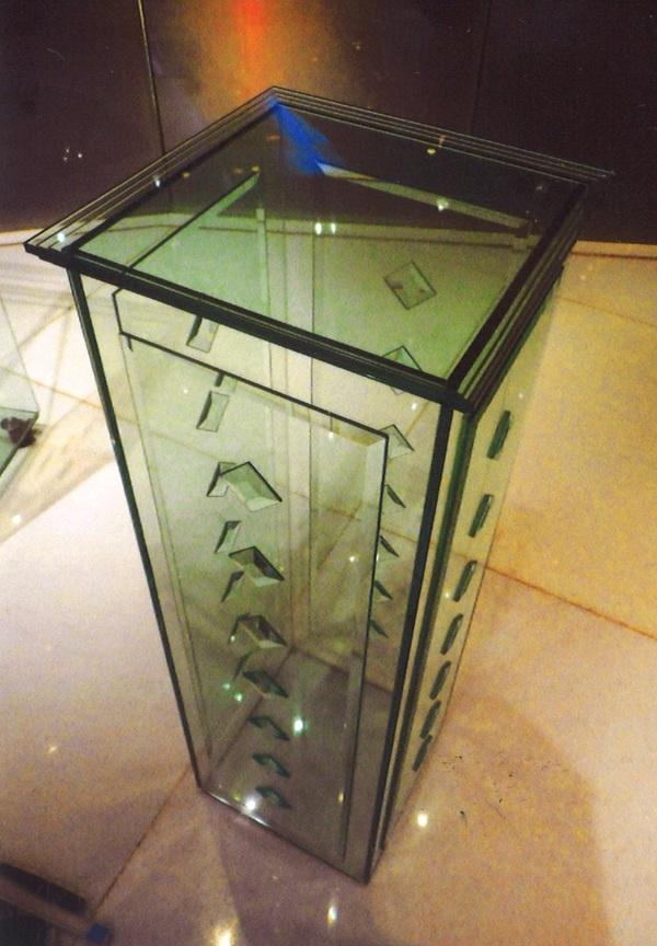 ガラス家具 (結婚式場積層アートガラス)