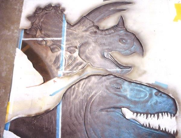 恐竜エッチングガラス (アートガラス彫刻)