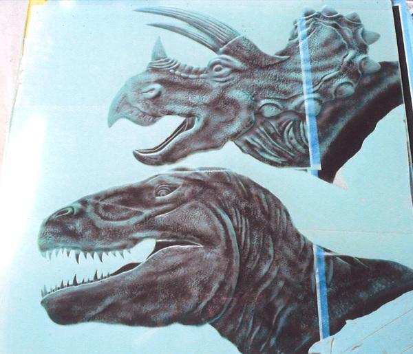 エッチングガラス恐竜 (アートガラス・ガラス彫刻)
