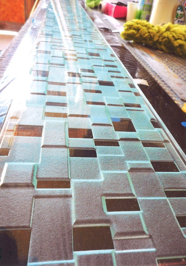 3段彫りのサンドブラスト(建築アートガラス)