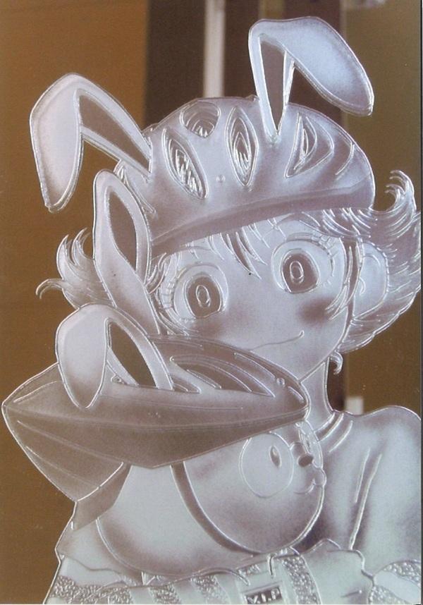 エッチングガラスの彫りの深さ(店舗・住宅アートガラス)