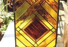 アンバー系のステンドグラス