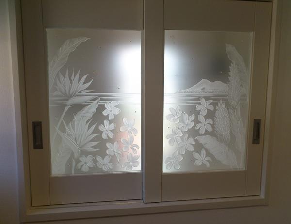 ハワイアン住宅エッチングガラス(ハワイアートガラス)