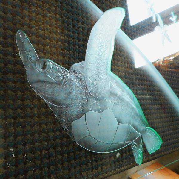 間仕切りエッチングガラス海亀2(住宅エッチングガラス)