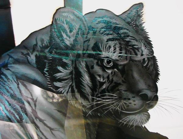 虎エッチングガラス仕上げ段階(虎アートガラス)