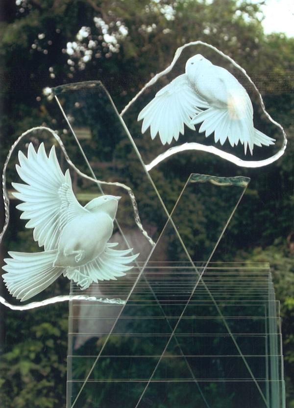 ガラスオブジェとガラス家具