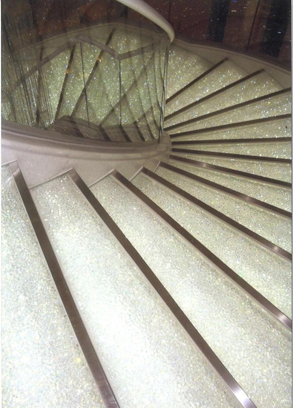 クリスタルアートガラス(ガラス階段、宙吹きガラス)